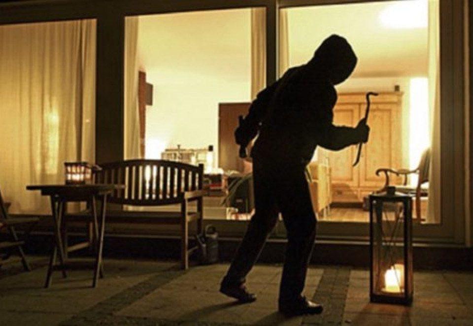 Foto di un ladro in azione