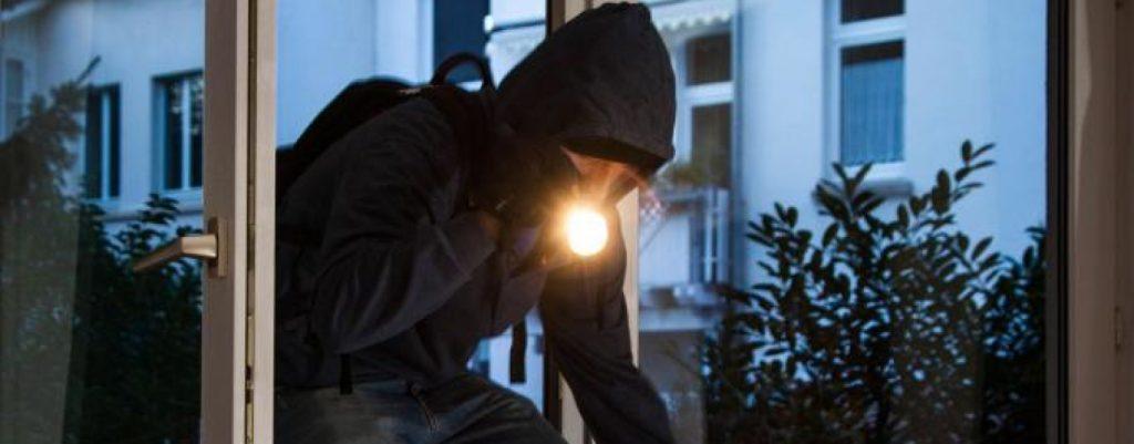 I ladri preferiscono entrare in azione durante le ore notturne. L'allarme Help! è un valido strumento contro i malfattori